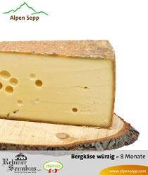 Würziger Bergkäse in der Käsetheke